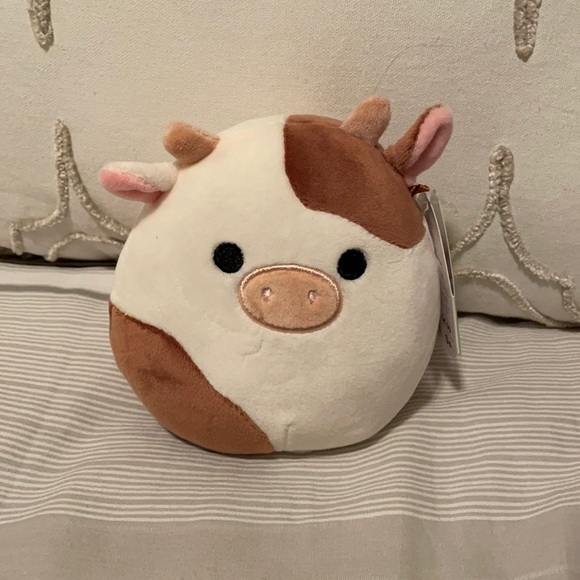 """*LAST 1* RONNIE THE COW 5"""" NWT SQUISHMALLOW"""